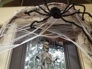 halloween-door-decoration-spider-web
