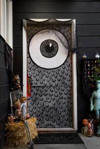 monster-eye-door-605px_large